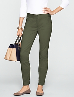 Signature Twill Ankle Pants