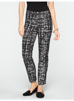 Signature Textured Grid Jacquard Ankle Pants