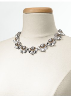 Pearl Flutter-Flower Necklace