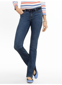 Slimming Signature Cove Wash Bootcut Jeans