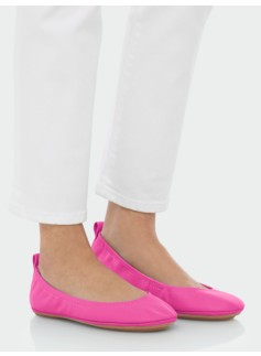 Roxie Pebbled Leather Scrunchy Ballet Flats