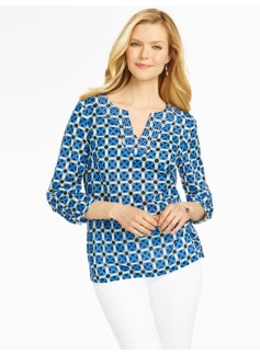 Geo-Square Notched-Bateau Top