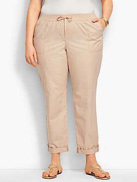 Woman Button-Tab Roll-Cuff Pant