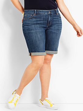 "9"" Girlfriend Jean Short-Sierra Wash"
