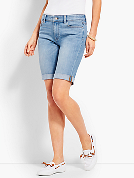 "9"" Girlfriend Jean Short-Breeze Wash"