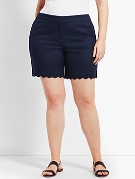 "Womans Exclusive 7"" Textured Scallop Short"