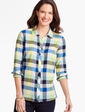 The Classic Casual Shirt - Buffalo Plaid