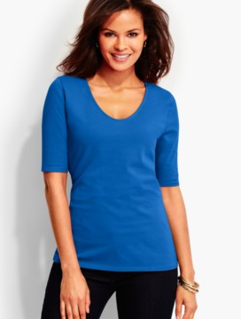 Short-Sleeve Rounded-V-Neck Tee-The Studio Tee