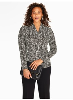 Platinum Jersey Abstract Texture Stand V-Neck