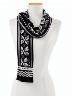 Graphic Mistletoe Scarf