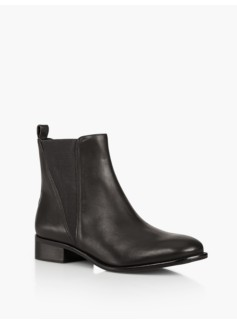 Tish V-Gore Ankle Boots