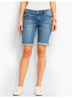 The Flawless Five-Pocket Boyfriend Short-Bluebell Wash